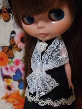 黒ドレスにショール.jpg
